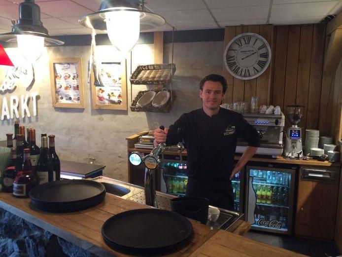 Jordy van Heese uit Vlissingen begon zijn stage als accountmanager, maar werd uiteindelijk bedrijfsleider van een gloednieuw visrestaurant.