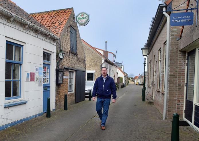 Hanno Canters wijst aan wat beter kan in Bouwershaven.