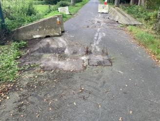 Omstreden wegversperring Oude Gentweg aan de kant geschoven door kwade burger
