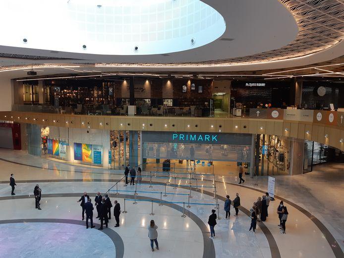De nieuwe Primark in het winkelcentrum bij Noyelles Godault in Frankrijk.