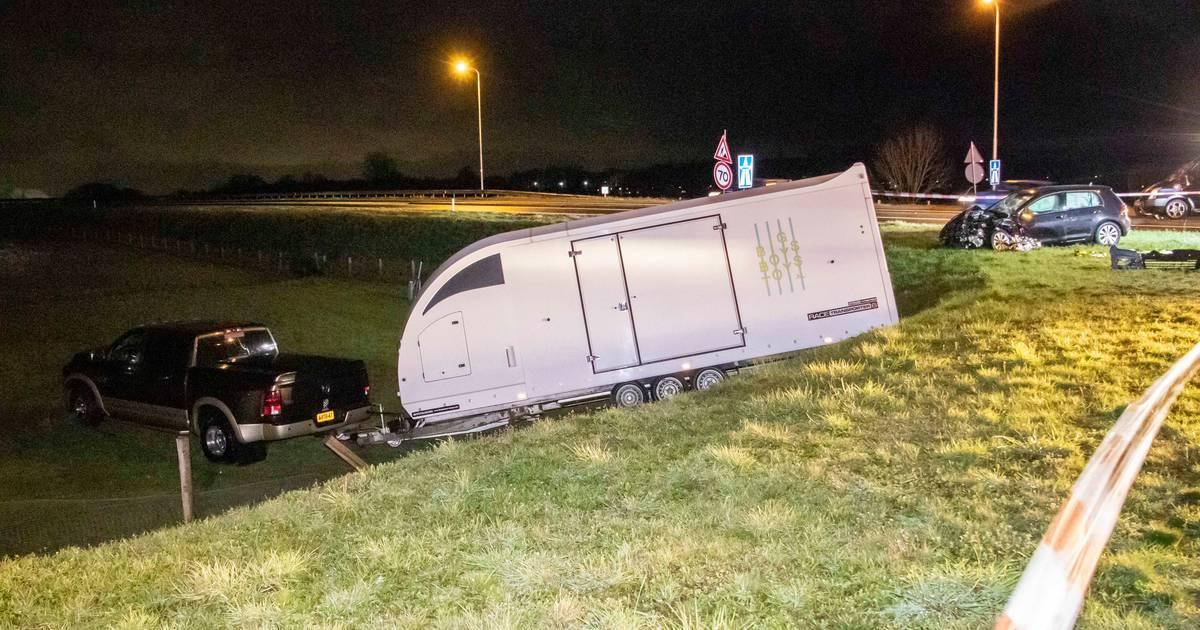Ernstig ongeluk in Ellecom; automobilist met spoed naar ziekenhuis.