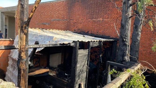 Brand in tuinhuis veroorzaakt grote rookontwikkeling in centrum van stad