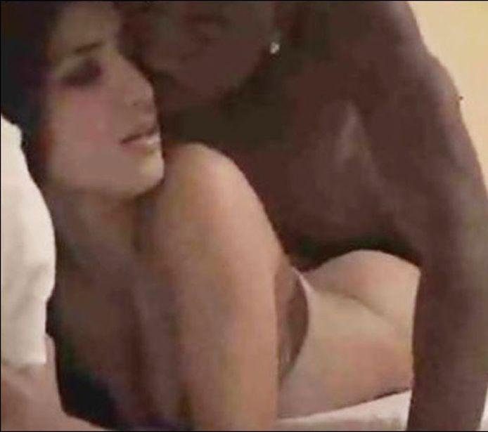 Kim Kardashian en Ray J in de sekstape die haar beroemd maakte.
