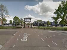 Stopstrepen, pijlen en stopborden: gemeente Raalte neemt vijf fietsoversteken onder handen