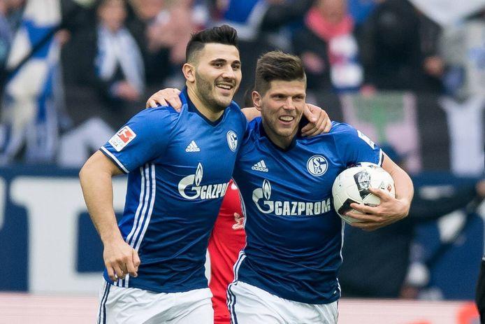 Klaas-Jan Huntelaar met Sead Kolasinac, die ook terugkeerde naar Gelsenkirchen om Schalke 04 te helpen in de strijd tegen degradatie.
