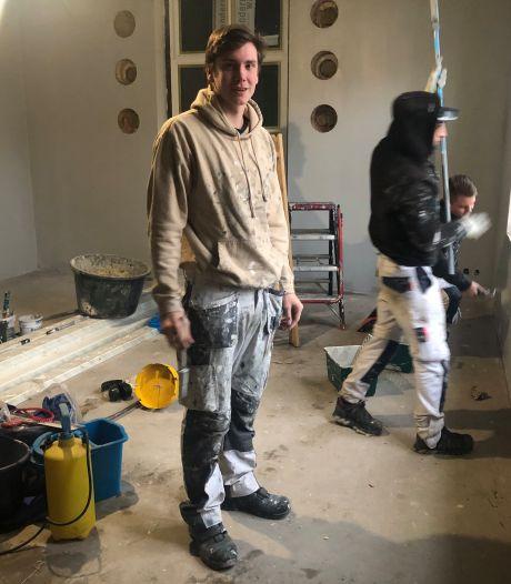 Leerling-schilders geven opvanghuis voor pleegkinderen in Houten gratis schilderbeurt