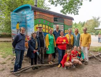 Senegalees stedenbandhuisje start scholentoer in Nevele