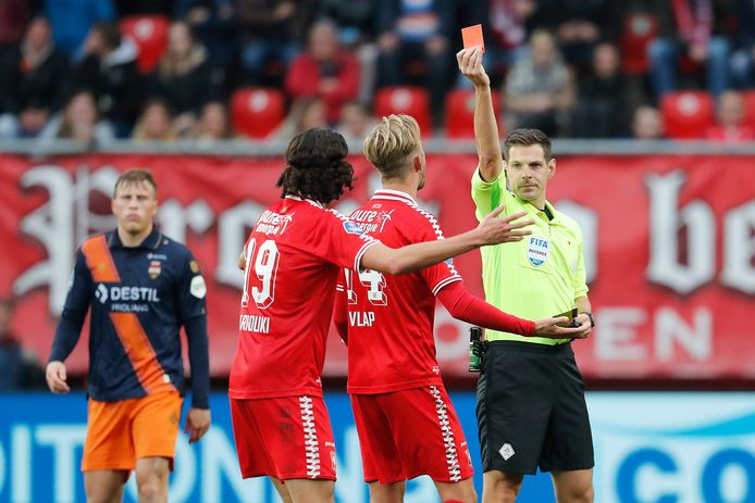 The heated clash between FC Twente and Willem II does not lead to the winner |  Dutch football