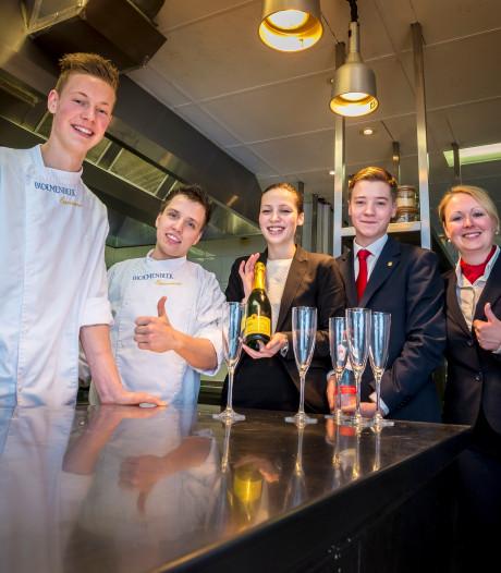 Debbie Küpers nieuwe maître-sommelier van restaurant Carelshaven Delden