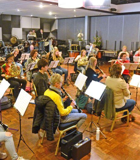 Harmonie Sint Jan uit Wierden neemt deel aan Wereld Muziek Concours: 'Het walhalla van de blaasmuziek'