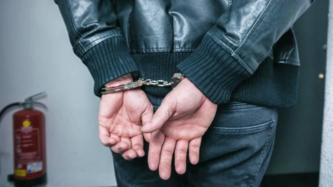 Betrapte inbreker springt in taxi maar kan toch worden opgepakt