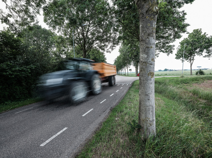 De wegen in het buitengebied van Doesburg zijn te smal.