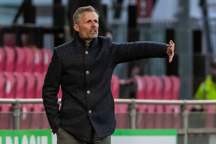 Plek drie is weer in zicht voor Kees van Wonderen en GA Eagles na de 3-0 overwinning op Almere City.
