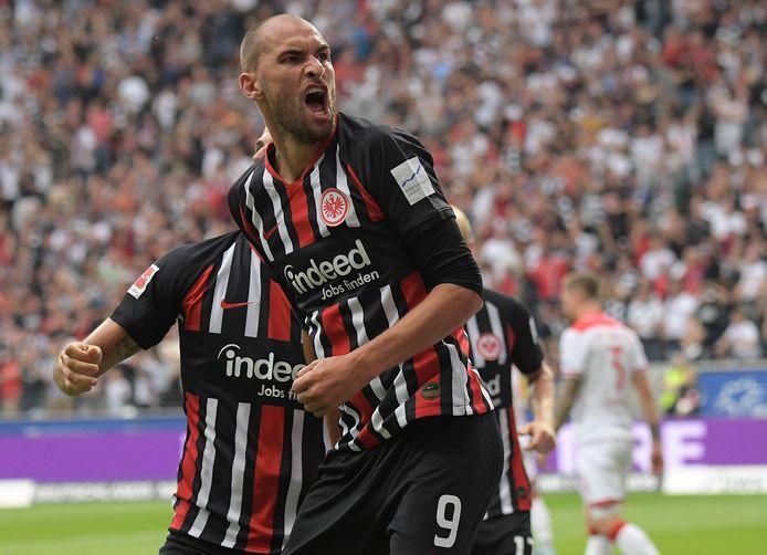 Bas Dost wist bij zijn debuut voor Eintracht Frankfurt direct te scoren.