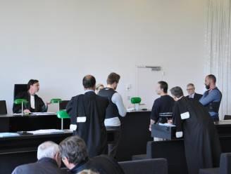 Agressiefste gevangene van het land zet rechtbank op stelten