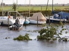 Veel schade bij Sluisje in Eemnes na harde wind