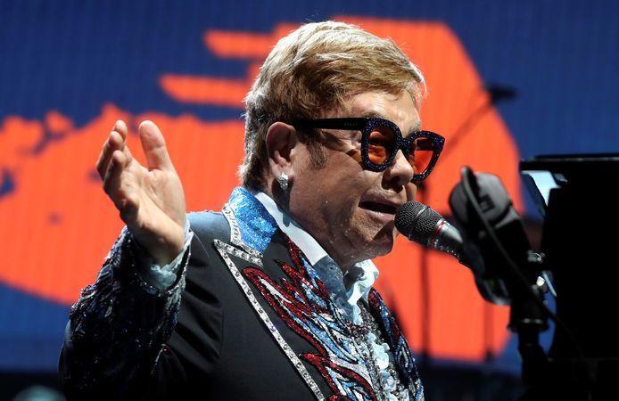 Elton John heeft grote moeite met uitspraken die Vladimir Poetin onlangs heeft gedaan over de LGBT-gemeenschap.