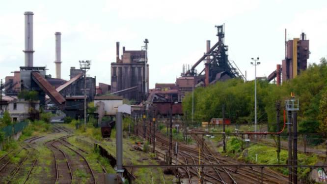 Jongen (12) stort acht meter naar beneden in verlaten ArcelorMittal-fabriek