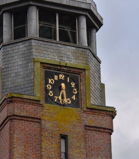 Grote Kerk in Vriezenveen mag meer bezoek ontvangen, maar gelovigen volgen dienst liever vanuit huis...