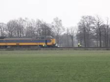 Dode bij treinongeluk op overweg tussen Holten en Rijssen
