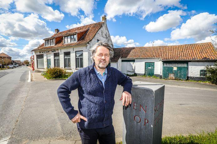 Hendrik Nelde verbouwt niet enkel de brouwerij in Beveren aan de Ijzer, maar ook het kasteel en recent café het Witte Paard