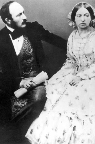 """""""We kusten elkaar opnieuw en opnieuw"""": intieme brieven tussen koningin Victoria en prins Albert laten weinig aan de verbeelding over"""