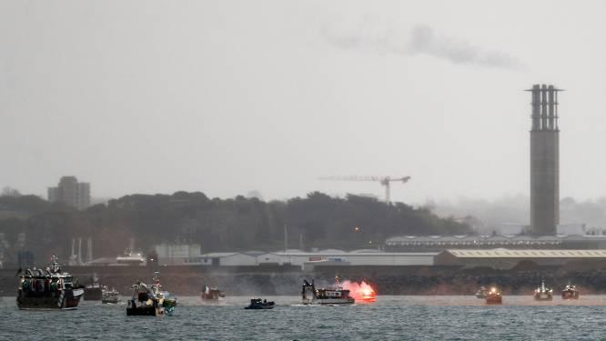 Conflict over visserij bereikt kookpunt: Franse vissers protesteren bij Jersey, VK stuurt marineschepen
