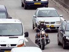 Lange files op A28 bij Nijkerk door ongeval