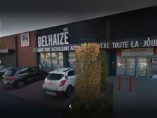 """Une infirmière a été refoulée à l'AD Delhaize de Gosselies: """"C'est fort!"""""""