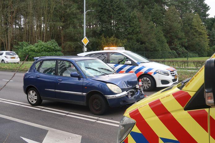 Een automobilist is maandagochtend gewond geraakt bij een ongeval op de Bredaseweg in Tilburg.