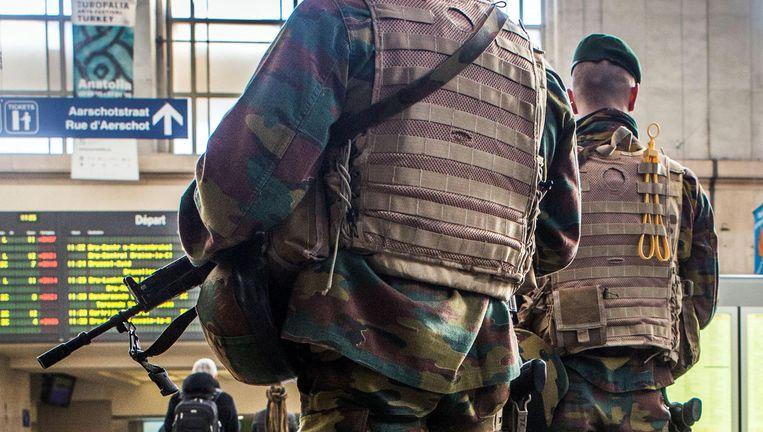 Militairen in het Brusselse Noordstation, toen het terreurniveau nog op 4 lag. OCAD bepaalt dat niveau onafhankelijk en dat zal zo blijven. Beeld bob van mol