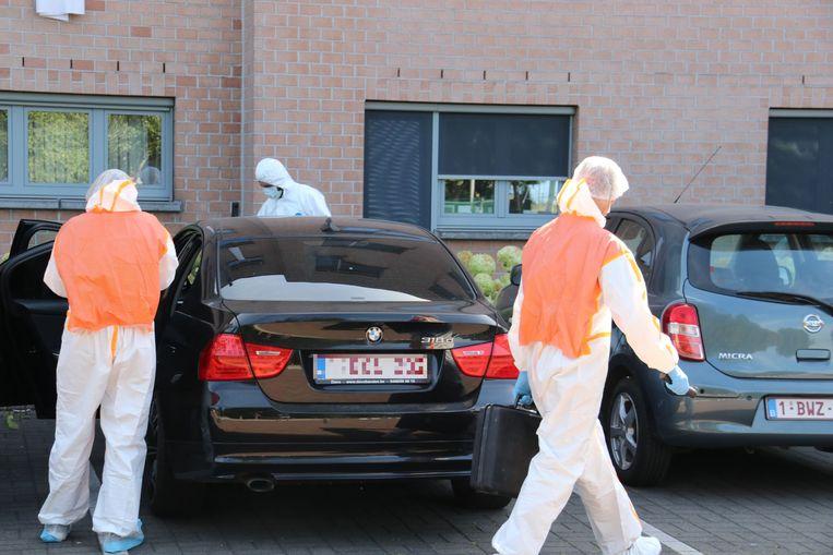 Het labo onderzocht ook een wagen die daar geparkeerd stond, vermoedelijk van de ex-man.