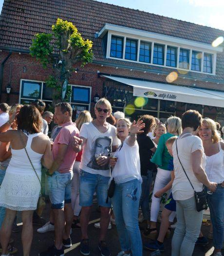 Maximaal 50 gasten op een terras? Café Antje en Billie in Reutum mag er met Hemelvaart veel meer ontvangen