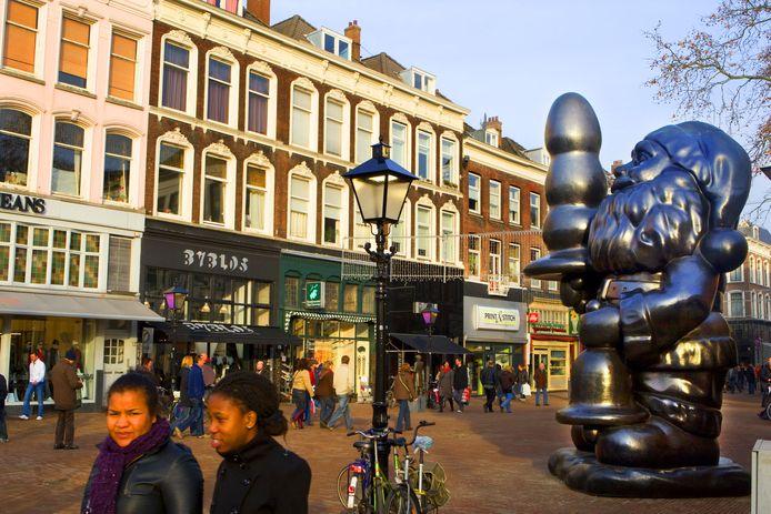 Santa Claus, in de volksmond Kabouter Buttplug genoemd, op het Eendrachtsplein in Rotterdam.