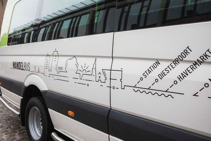 Op de Wandelbus zelf staan de 12 haltes waar de bus zal stoppen.