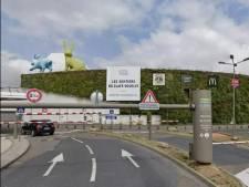 Deux vendeurs poignardés dans un centre commercial à Paris: un mort et un blessé grave