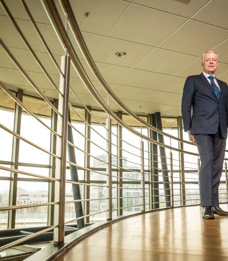 Commissarissen van de Koning in Flevoland en Overijssel werken wél thuis: 'Wij geven het goede voorbeeld'