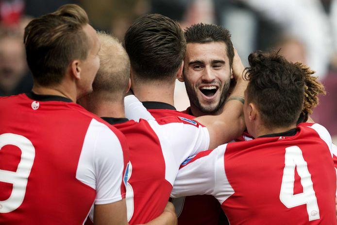 PSV pakt de zaken tegen SDC Putten serieus aan en gaat net als de amateurs besloten trainen.