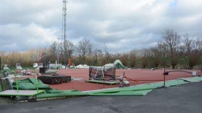 Gehuurde tent in de plaats van verwoeste luchtdraaghal