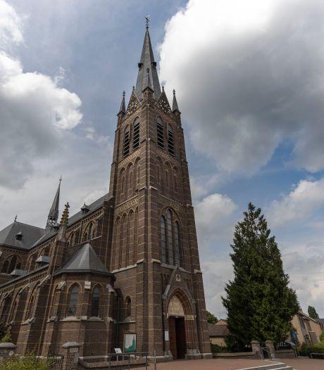 108 keer per dag luiden de kerkklokken van Liessel, tot grote ergernis van één nieuwe inwoner: 'Terroriseert je elk kwartier'