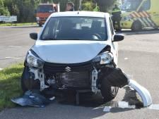 Auto's zwaar beschadigd na ongeluk op berucht kruispunt in Gameren