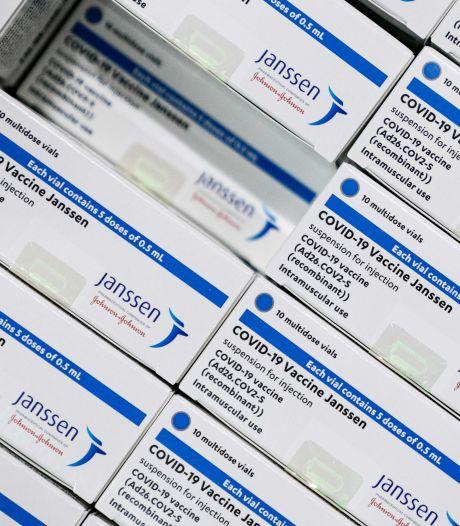 Ggz-medewerkers ingeënt met coronavaccin van Janssen in Leiden
