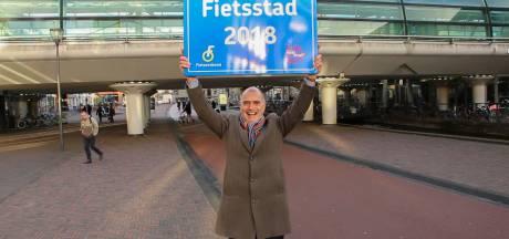 Staatssecretaris Sientje van Veldhoven op de pedalen in fietsstad Houten