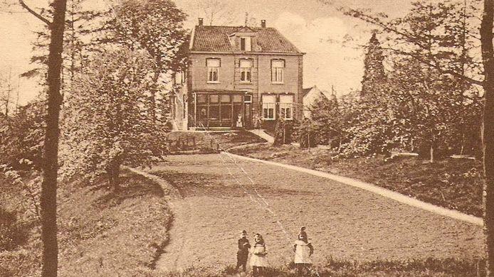 De voormalige pastorie Huize Wielestein in Nederhemert-Zuid
