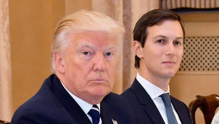 Donald Trump met zijn schoonzoon Jared Kushner. Beeld epa
