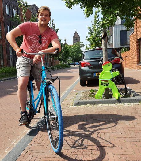 Bas van de Kolk zweert bij zijn Swap-fiets: 'Ik had een eigen fiets, maar die werd gepikt. Dit is handiger'