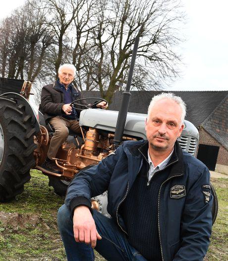 Harrie (88) rijdt nog één keer op de opgeknapte trekker van zoon Erik: 'Hij wist nog precies hoe het moest'