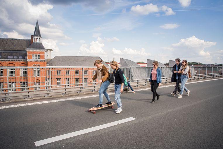 Ook in Gent maakt koning auto plaats voor andere vervoersmiddelen. Beeld Wannes Nimmegeers