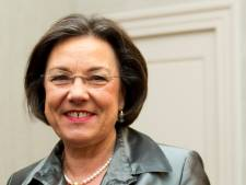 Oud-Kamervoorzitter Gerdi Verbeet spreekt tijdens herdenking op Fort de Bilt