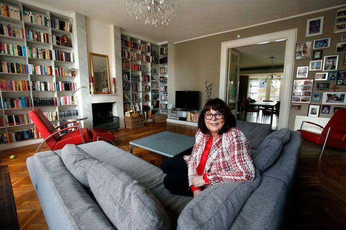 Annemie Webers in haar huis in Schoonrewoerd.